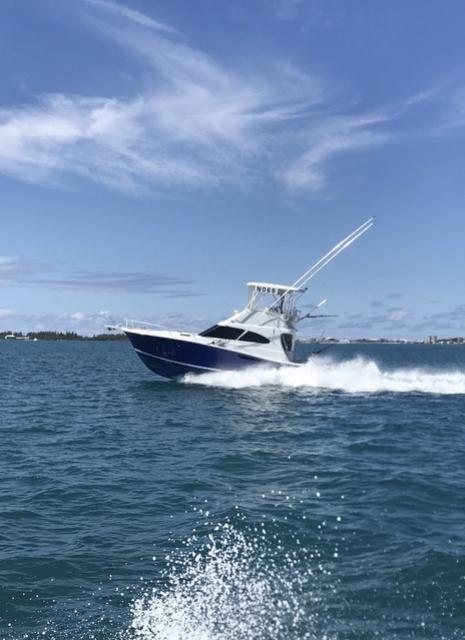 SOLD - 40' Luhrs Convertible