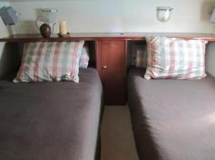 REDUCED PRICE - 40ft Luxury HouseBoat-Trawler
