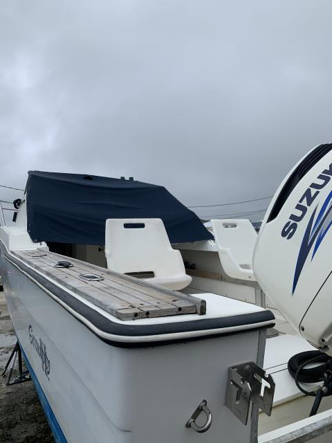 26' Robalo Cuddy Cabin New Suzuki Outboard