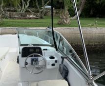 SOLD - 20ft Boston Whaler Ventura 225hp Yamaha Four-Stroke