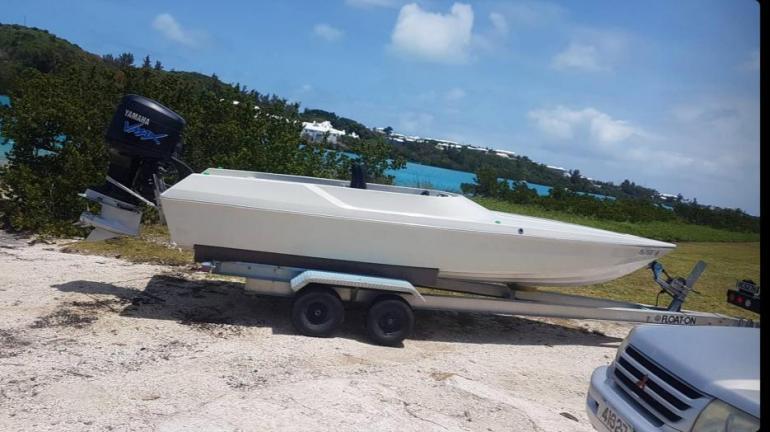 20ft Phantom race boat