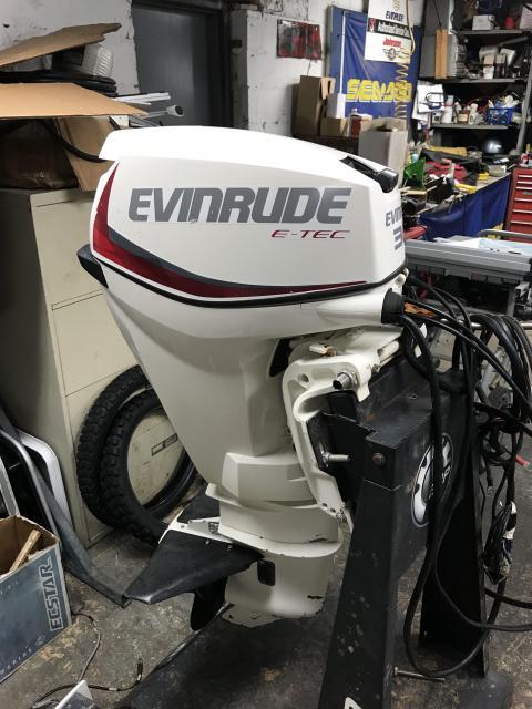 Evinrude E-Tec 30HP - Electric Start & Trim
