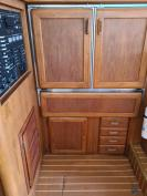 March into summer sale!! ! LUHRS like new. Make an offer!