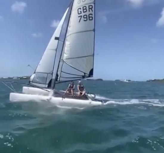 SL16 Sailboat