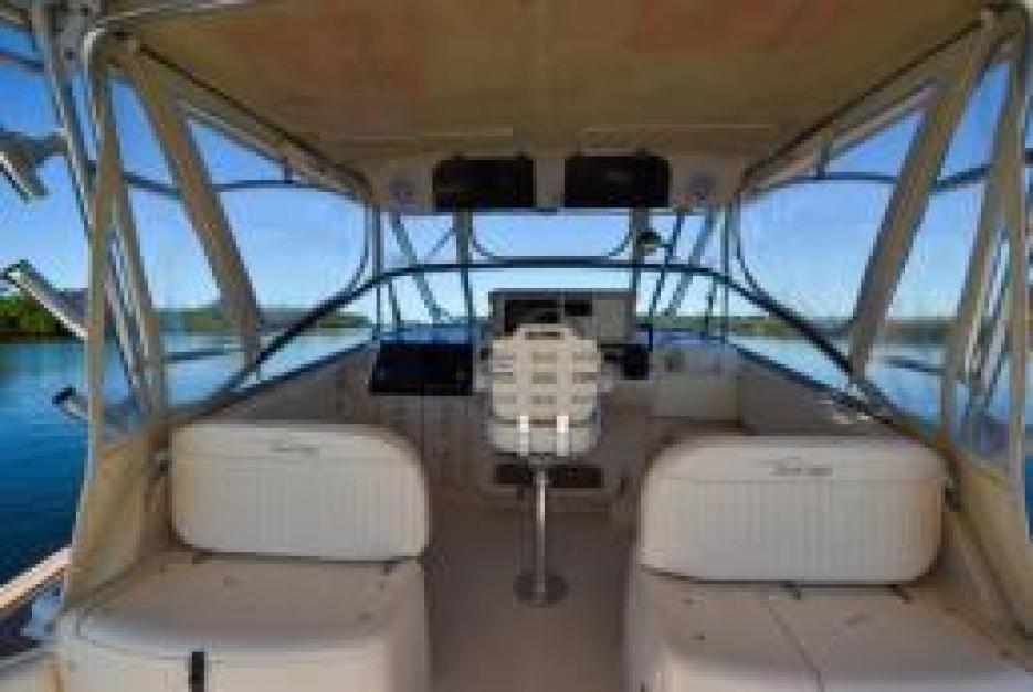 33 EXPRESS GRADY-WHITE BOAT FOR SALE